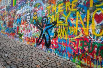 Mur de graffiti John Lennon à Prague