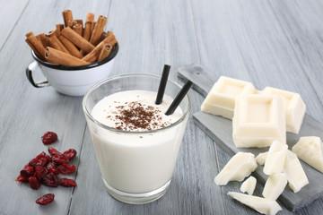 frullato latte e cioccolato bianco