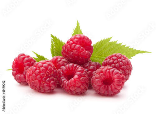 Fototapete Sweet raspberry isolated on white background cutout