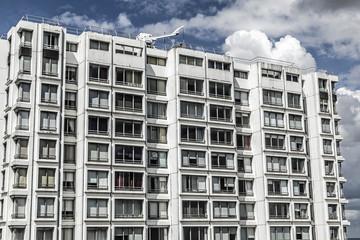 Fassade eines modernen Wohngebäudes in Paris, Frankreich