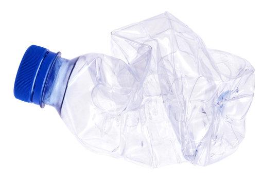 Bouteille plastique écrasée