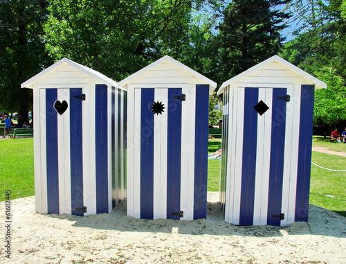 Cabine de plage bleu blanc photo libre de droits sur la - Cabine de plage pour jardin ...