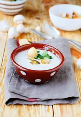 light mushroom soup with cream