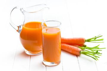 carrot juice in glass