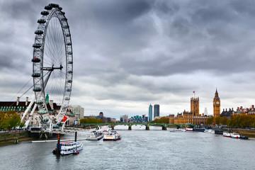 Wall Mural - London, England the UK skyline. Big Ben, River Thames