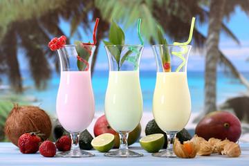cocktail con frutta esotica