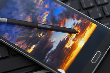 Stylus pen with mobile phone