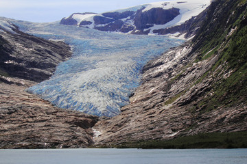 Wall Mural - Engenbreen Glacier, the sky and the lake
