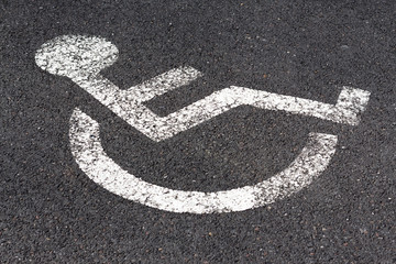 Dessin au sol concernant le handicap