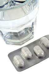Les verre d'eau et les médicaments