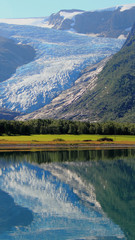 Foto auf Acrylglas Arktis misty glacier mirroring