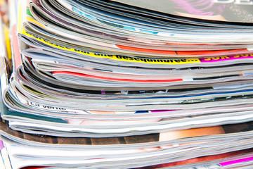 empilement de magazines