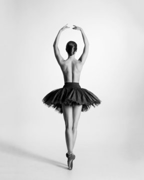 Black and white trace of a topless ballet dancer