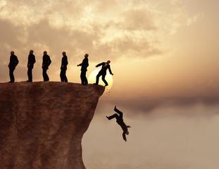 Hombres al borde de un precipicio