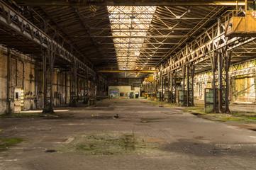 alte DDR Industriehalle