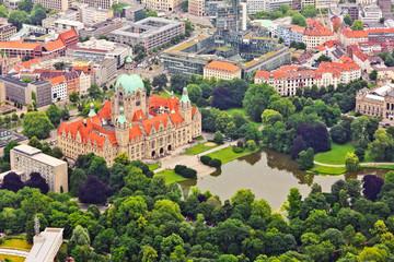 Rathaus aus der Luft - Hannover