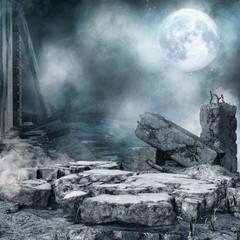 Nocna sceneria z ruinami miejskiego budynku