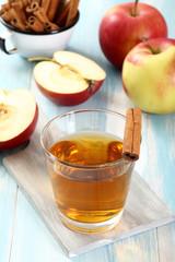 bevanda con mele e cannella