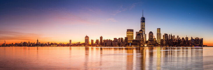 Wall Mural - New York panorama at sunrise
