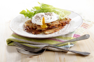 hash browns with poached egg