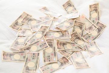 お金とベッド
