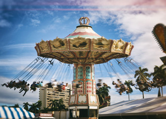 spinning vintage swing ride