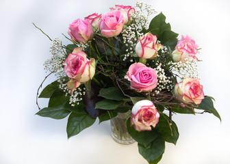 Rosarote Rosen als Blumenstrauß