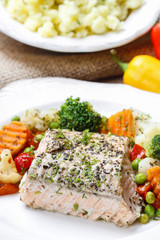 Salmon with herbs and vegetables