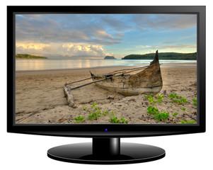 paysage paradisiaque affiché sur écran TV