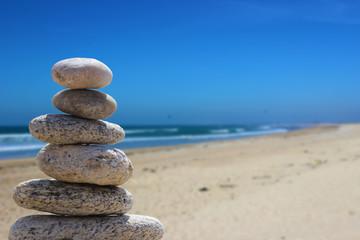 Foto op Plexiglas Stenen in het Zand zen balance stone on the beach 7