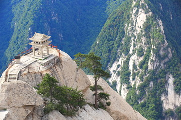 Ingelijste posters Xian stone pagoda built on the stone cliff at mountain huashan