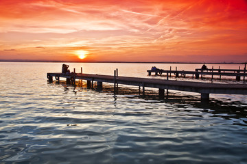 Tuinposter Pier los embarcaderos del lago