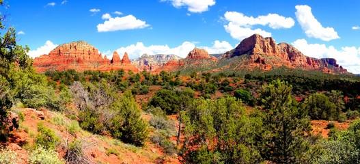 Fototapete - Panoramic view of the red rock landscape at Sedona, Arizona, USA