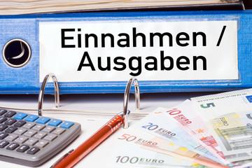 Aktenordner - Einnahmen und Ausgaben