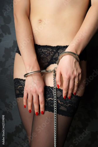 Sexy blonde Sweet Cat fingers her pussy with wrists in handcuffs № 75706 загрузить
