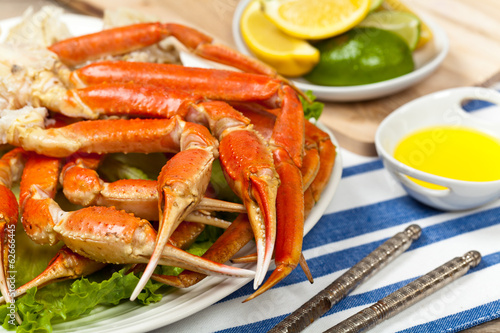 How To Steam amp Eat Alaskan Snow Crab Legs  Part 1  YouTube