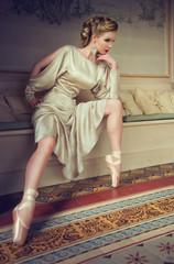 silver ballett dancer