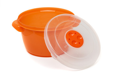 orange plastic container with microwave cover