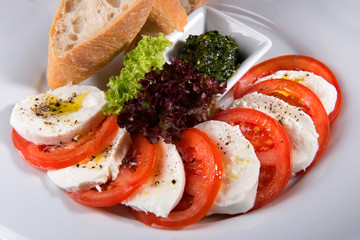 salad mozzarella and tomatoes