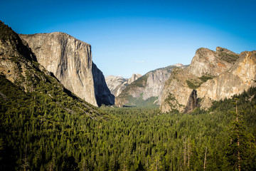 Wall Mural - Tunnel View, Yosemite National Park, half dome and El Capitan