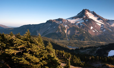 Wall Mural - Mt. Jefferson Park Oregon Cascade Range Mountian Hiking Trail