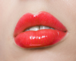 Red lips make up