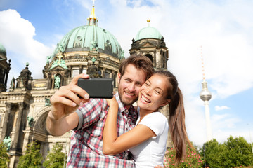 Aufkleber - Travel couple selfie self portrait, Berlin Germany
