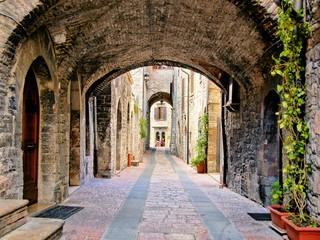 Łukowata średniowieczna uliczka 3D