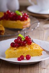 Cornmeal cake with berries
