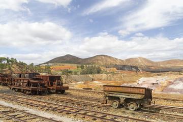 Vagonetas de ferrocarril abandonadas en Río Tinto, Huelva