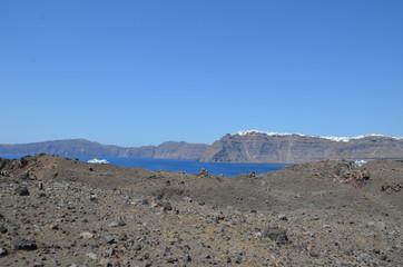 île volcanique près de Santorin, Grèce