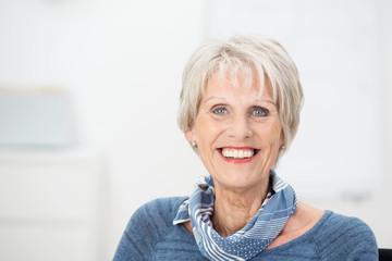 portrait einer älteren geschäftsfrau