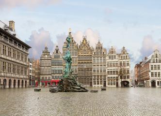 Stores à enrouleur Antwerp Grote Markt square, Antwerpen