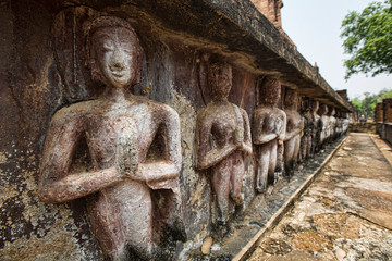 Old Buddha temple, decline of Buddhism concept in Sukhothai
